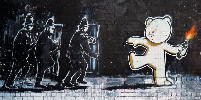 2BY3649 Teddy bear - banksy
